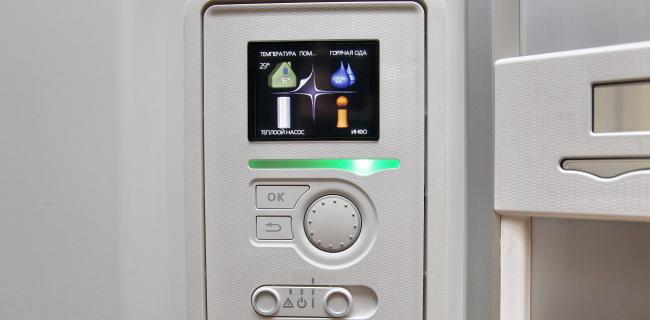 Большой, цветной дисплей управления тепловым насосом Nibe