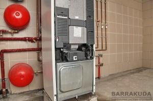 NIBE имеет закрытый компрессорный блок с размещенными насосами, компрессором, теплообменниками, что обеспечивает низкий шум и вибрацию.