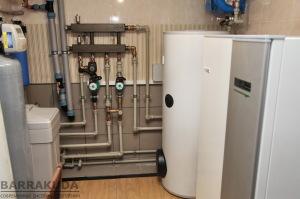 Погодозалежне виробництво тепла, погодозалежне управління контурами опалення радіаторів та теплої підлоги. Автоматичний перехід літній режим - опалення, режим відпустки, вечірка
