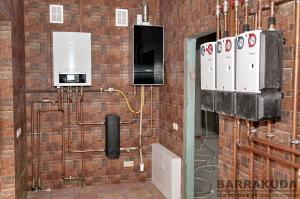 У літньому режимі, система забезпечує активне охолодження будинку (теплоносій охолоджується); нагрів басейну, нагрів гарячої води (виконується нагрів теплоносія).