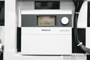 Контроллер гелиосистемы в автоматическом режиме управляет режимами нагрева бассейна и приготовления ГВС, с учетом полученного от солнца тепла.